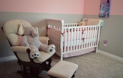 Zabezpieczenie mebli w pokoju dziecka...